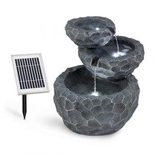 Blumfeldt Murach • Fontaine solaire en cascade • Fontaine de jardin • éclairage LED • Panneau solaire 2kW • Patterie 2000mAh • En polyrésine résistante au gel