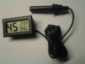 CJC Thermomètre Hygromètre avec Sonde Externe pour Couveuse Aquarium Volaille Reptile Serpent Noir Ecran LCD