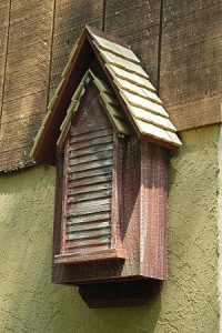 Weathered Redwood victorien Bat Maison