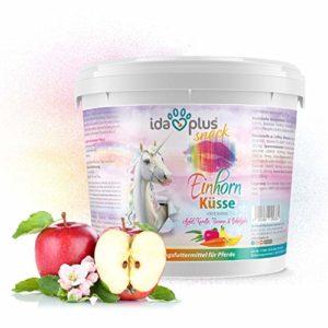 Ida Plus – Baiser de licorne 3 kg – Friandises pour chevaux – Avec vitamines et minéraux – Pomme, banane, carotte et eucalyptus – Délicieuses friandises pour chevaux et poneys dans un seau pratique