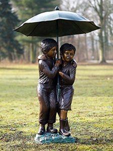 Gargouille enfants sous parapluie, bronze