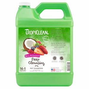 Tropiclean Shampooing pour Chien Fruits Rouges/Noix de Coco 3.78 L 1 Unité